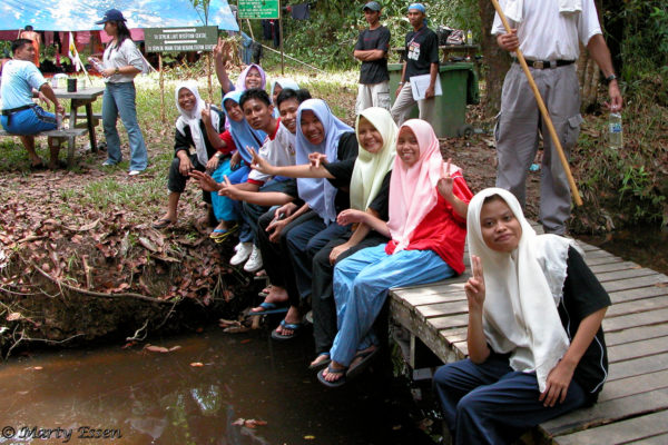Peace from the Borneo Girls