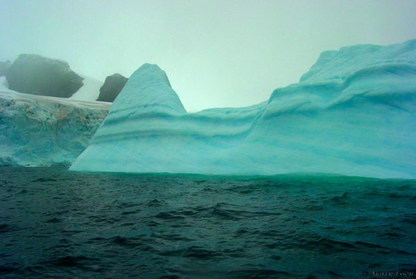 Zigzagging around icebergs